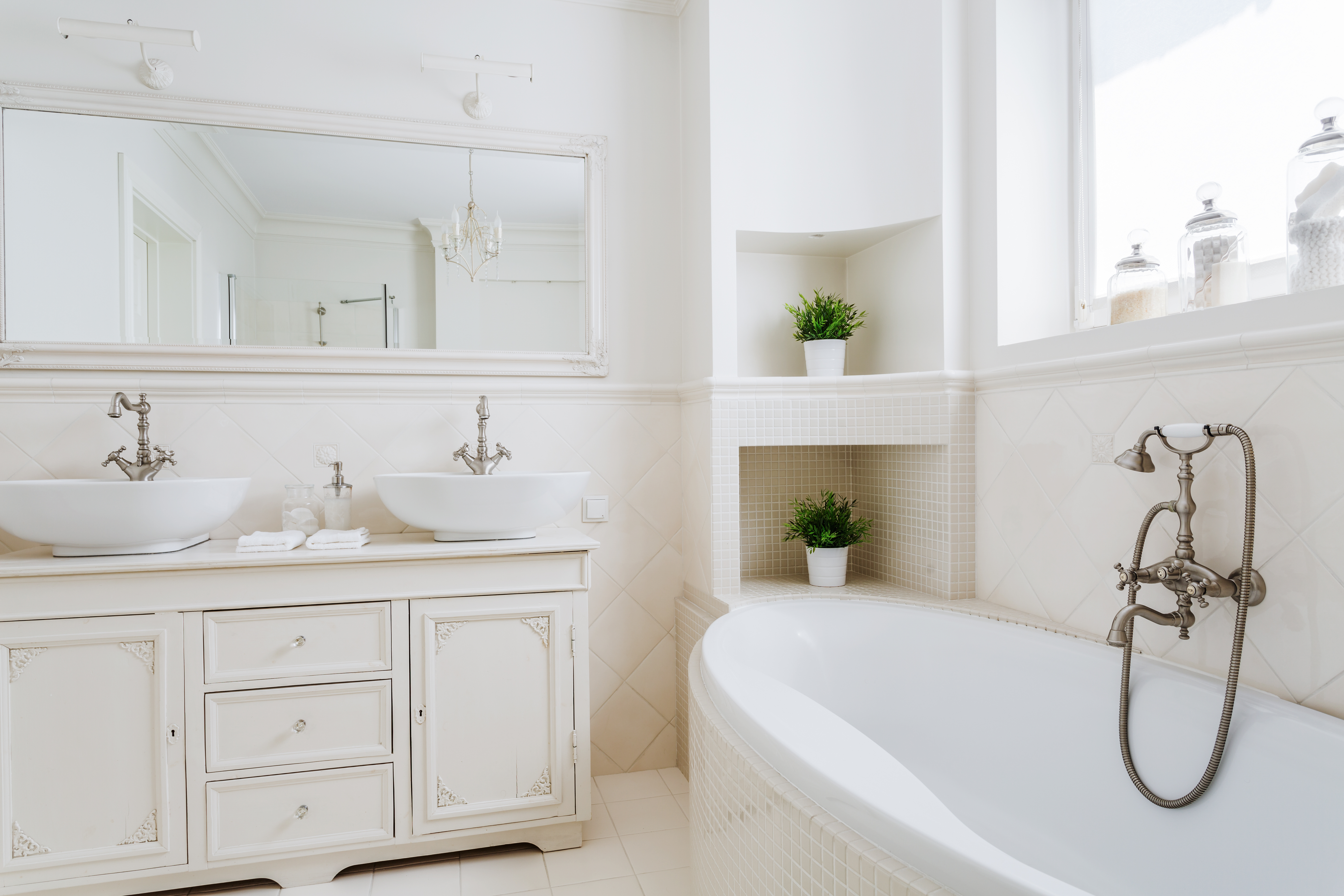 6 French Inspired Bathroom